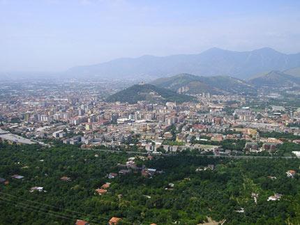 ... di Nocera si trova tra quella di Cava dei Tirreni e Nocera Superiore